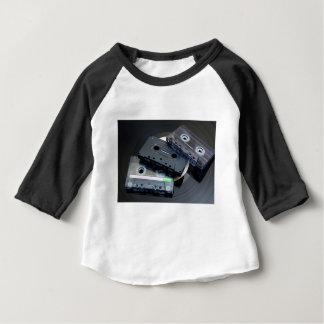 レトロのカセットテープ ベビーTシャツ