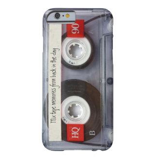 レトロのカセットテープ BARELY THERE iPhone 6 ケース
