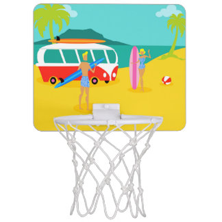 レトロのサーファーのカップルの小型バスケットボールたが ミニバスケットボールゴール