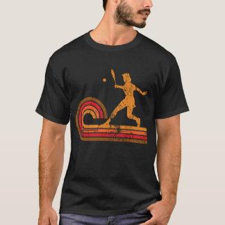 レトロのスタイルのテニス選手のシルエットのスポーツ Tシャツ