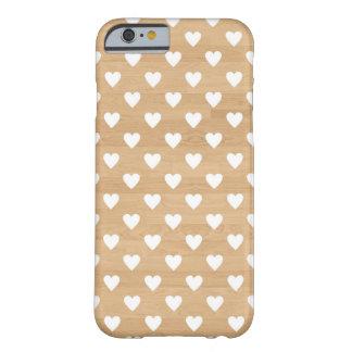 レトロのハートの木製の背景のガーリーなハートパターン BARELY THERE iPhone 6 ケース
