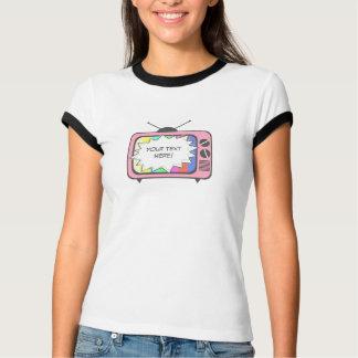 レトロのピンクのテレビ Tシャツ