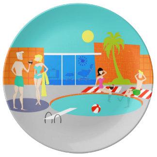レトロのプールを囲んでのパーティの磁器皿 磁器プレート