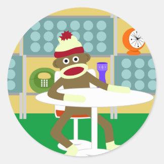 レトロのモダンなソックス猿 ラウンドシール