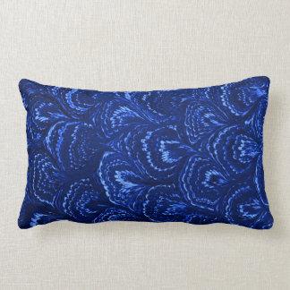 レトロの抽象芸術の渦巻のサファイアの青 ランバークッション