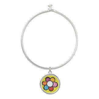 レトロの虹の黄色のデイジーの腕輪のチャームブレスレット バングルブレスレット