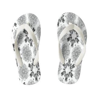 レトロの雪片の花の白黒の雪片 キッズビーチサンダル