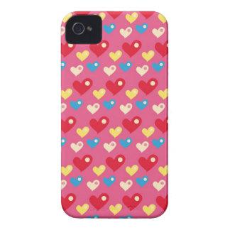 レトロ80s虹ピンクの数々のな泡ハートパターン Case-Mate iPhone 4 ケース