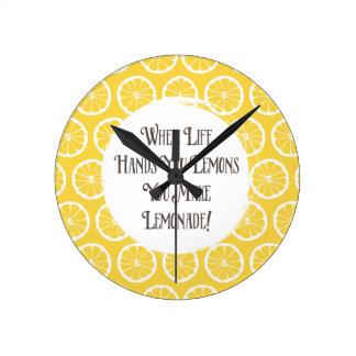 レモネードの装飾的な時計へのレモン ラウンド壁時計