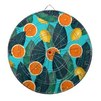レモンおよびオレンジのティール(緑がかった色) ダーツボード
