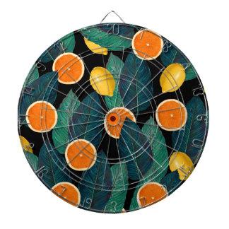 レモンおよびオレンジの黒 ダーツボード