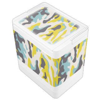 レモン色のPixDezines/wedgewoodの青の迷彩柄 クーラーボックス