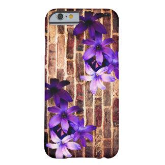 レンガ壁の花のSmartphoneの場合 Barely There iPhone 6 ケース