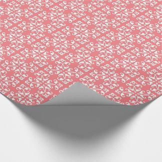 レースのようなカット・ワーク-珊瑚のピンク上の白 ラッピングペーパー