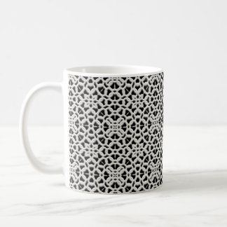 レースの白くおよび黒いヴィンテージのレースのコーヒー・マグ コーヒーマグカップ