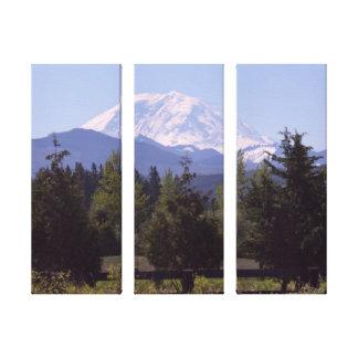 レーニア山および松の木の3パネルのキャンバス キャンバスプリント
