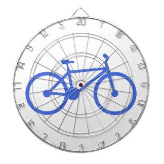 ロイヤルブルーおよび白の自転車 ダーツボード