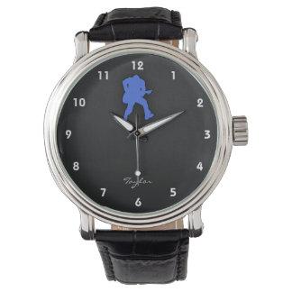 ロイヤルブルーのギター奏者 腕時計