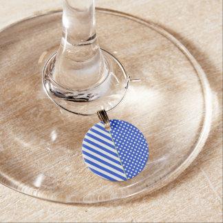 ロイヤルブルーの水玉模様はShirleyTaylorによって縞で飾り、 ワインチャーム
