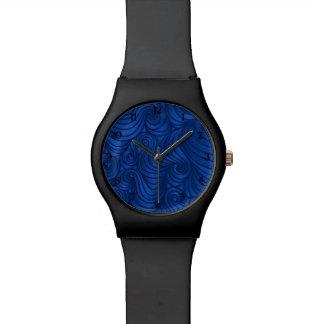 ロイヤルブルーの渦巻の腕時計 腕時計
