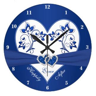 ロイヤルブルー、その後ずっと幸福に白い花のハート ラージ壁時計