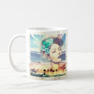ロカビリーカリフォルニアやし沿岸夏の女性 コーヒーマグカップ