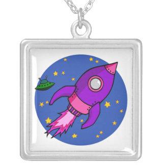 ロケットのピンクの紫色のネックレス シルバープレートネックレス