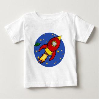 ロケットの赤く黄色い幼児Tシャツ ベビーTシャツ
