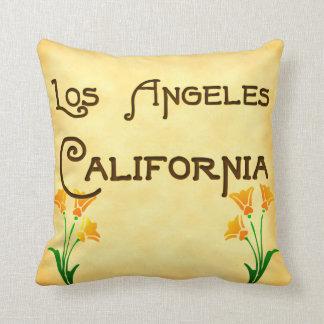 ロサンゼルス、ケシの枕が付いているカリフォルニア クッション