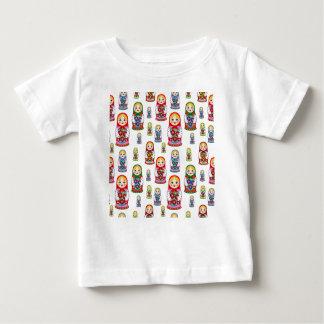 ロシアのな人形 ベビーTシャツ