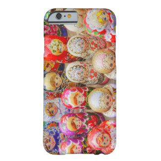 ロシア語は人形に入り込みました BARELY THERE iPhone 6 ケース