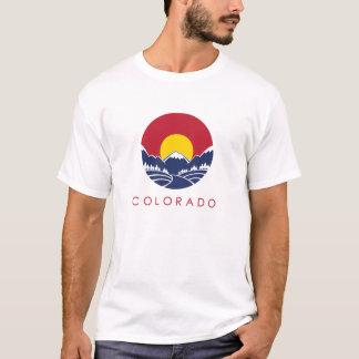 ロッキー山脈のコロラド州の日没のロゴ Tシャツ