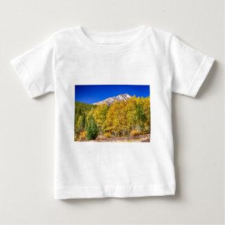 ロッキー山脈の秋の富鉱帯 ベビーTシャツ