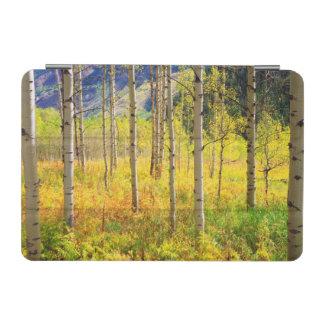 ロッキー山脈の秋の《植物》アスペンの木 iPad MINIカバー