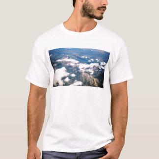 ロッキー山脈の空中写真 Tシャツ