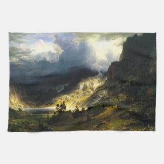 ロッキー山脈のBierstadtの嵐 キッチンタオル