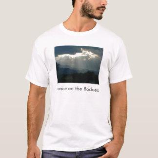 ロッキー山脈メンズTシャツの優美 Tシャツ