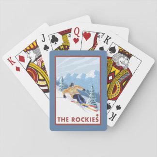 ロッキー山脈- Downhhillの雪のスキーヤー トランプ