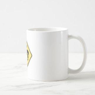 ロックのロックンロールのためにか音楽またはインディ見ますか、または金属をかぶせて下さい コーヒーマグカップ