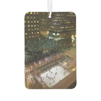 ロックフェラーの中心のアイススケートのクリスマスツリーNYC カーエアーフレッシュナー