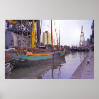 ロッテルダムの歴史的な船、オランダの航行のはしけ ポスター