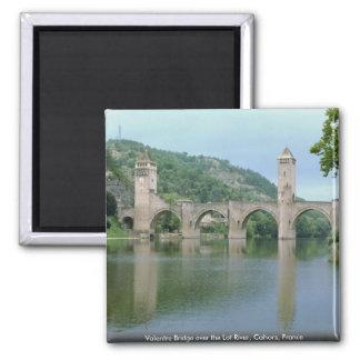 ロットの川、カオール、フランス上のValentre橋 マグネット