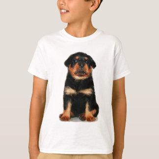 ロットワイラーの子犬はTシャツをからかいます Tシャツ