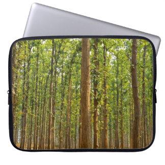 ロバスタshoreaの森林 ラップトップスリーブ
