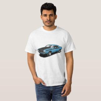 ロビン卵の青い挑戦者クラシックな車のTシャツ Tシャツ