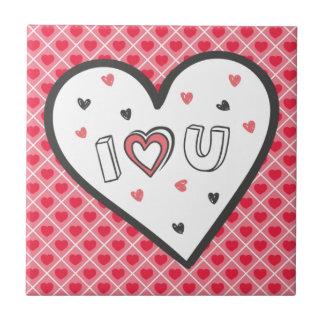 ロマンスのピンクのハートのかわいい菓子非常に愛して下さい タイル