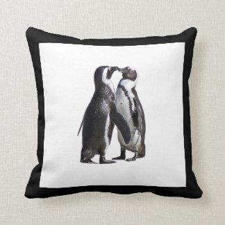ロマンスペンギン クッション