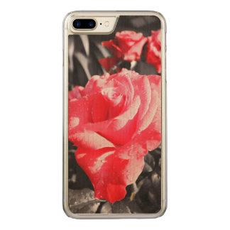 ロマンチックで赤いバラ CARVED iPhone 8 PLUS/7 PLUS ケース