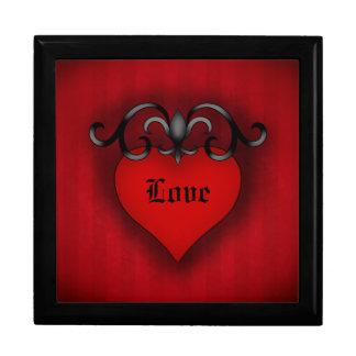 ロマンチックで赤い愛ハートのゴシック様式中世スタイル ギフトボックス