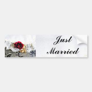ロマンチックなばら色のたった今結婚しました バンパーステッカー